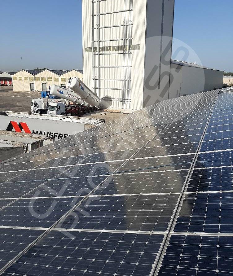 toiture solaire nettoyer par Clean Progress