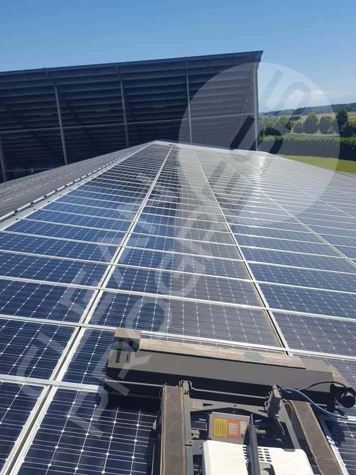 toiture de panneaux photovoltaïques, nettoyage pour un meilleur rendement Clean Progress