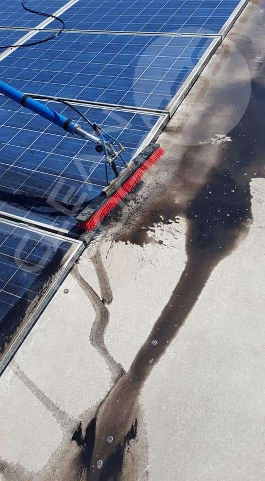 Nettoyage de toiture solaire